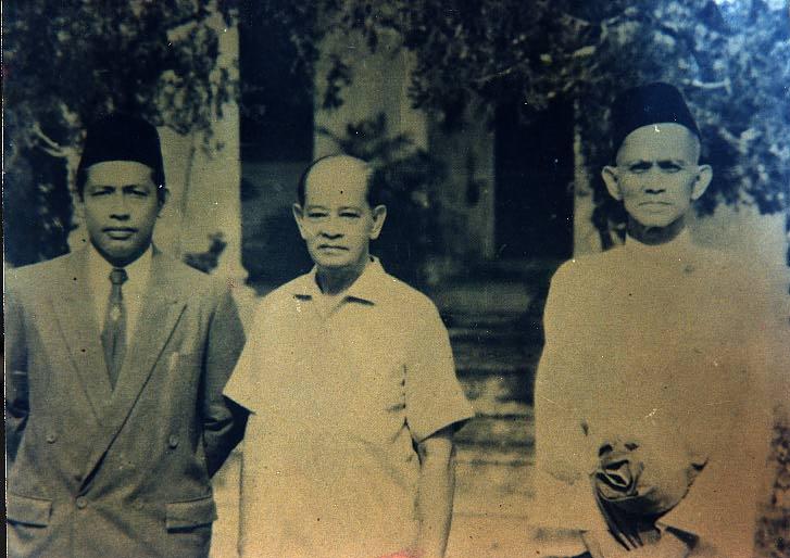 Mahaguru bersama Sultan Kedah dan Tengku Kassim(1957)